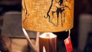 Keramikfuss, Schirm Hanf, Motiv im Siebdruck aufgetragen.  Verkauft