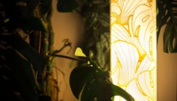 60er Jahre Ständerlampe, Siebdruck auf Seide Verkauft