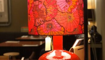 70er Keramikfuss, Schirm Baumwohlstoff, Preis auf Anfrage